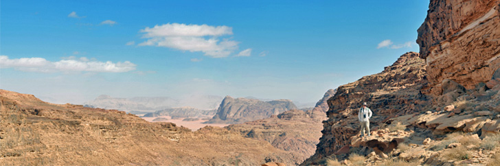 Burial Mound and Oryx Trail in Wadi Rum - Magnificent Views - Hiking in Jordan.