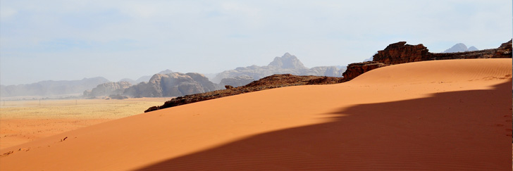 The French Fortress Trail  in Disi (nearby Wadi Rum) - Magnificent Views and Sand Dunes - Hiking in Jordan.