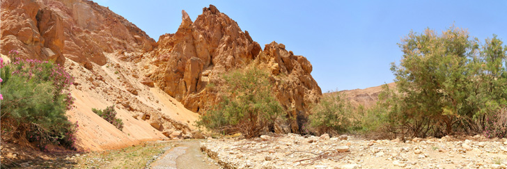 Wadi Al Karak Waterfalls - Spectacular Sand Dune and Rock Formation in the Wadi - Hiking in Jordan.