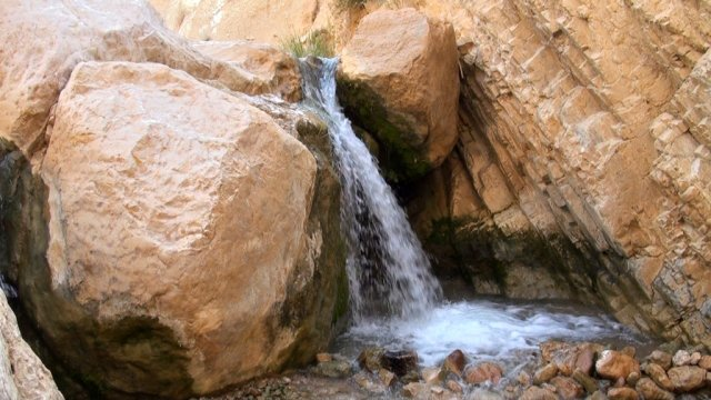 08 Wadi Weida - You Will See Several Little Waterfalls in the Valley